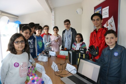 Eyüpsultan Belediyesi, SİMURG 5-25 Yaş Arası Yaygın Eğitim Programı, Robot Akademi